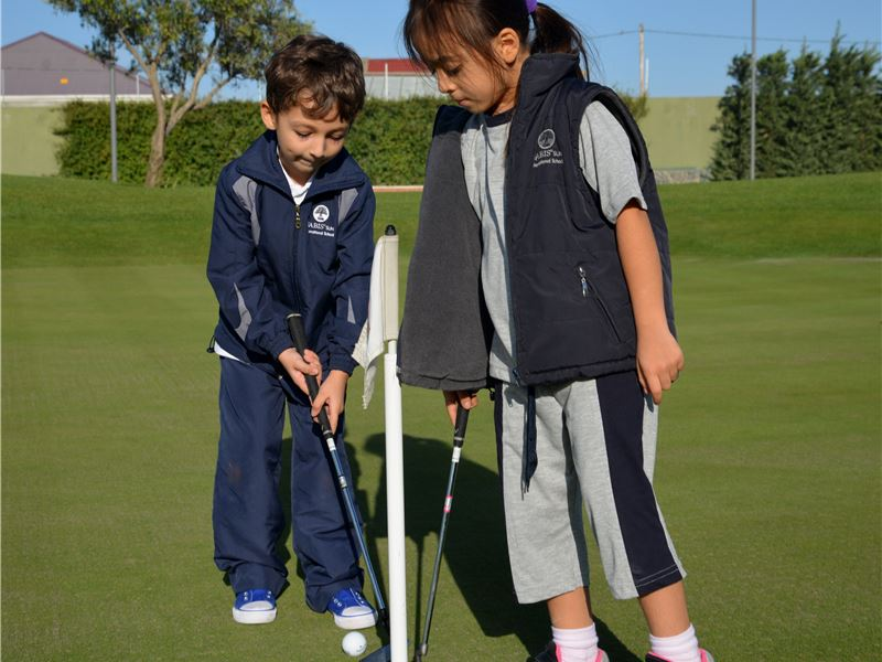 Our students practicing at the Dreamland Golf Club